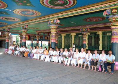 indiai_palmalevel_felolvasas_om_Shiva Templomban a csapattal